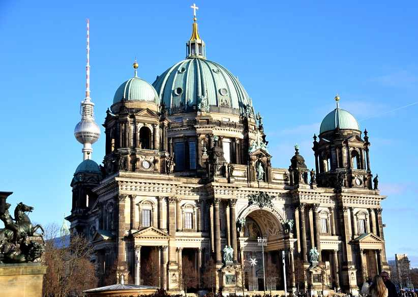 Berliner Dom am Lustgarten in Berlin.
