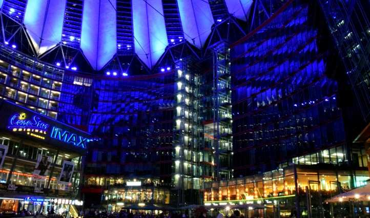 Im Sonycenter am Potsdamerplatz in Berlin.