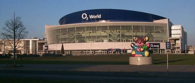 O2 World an der East Side Gallery